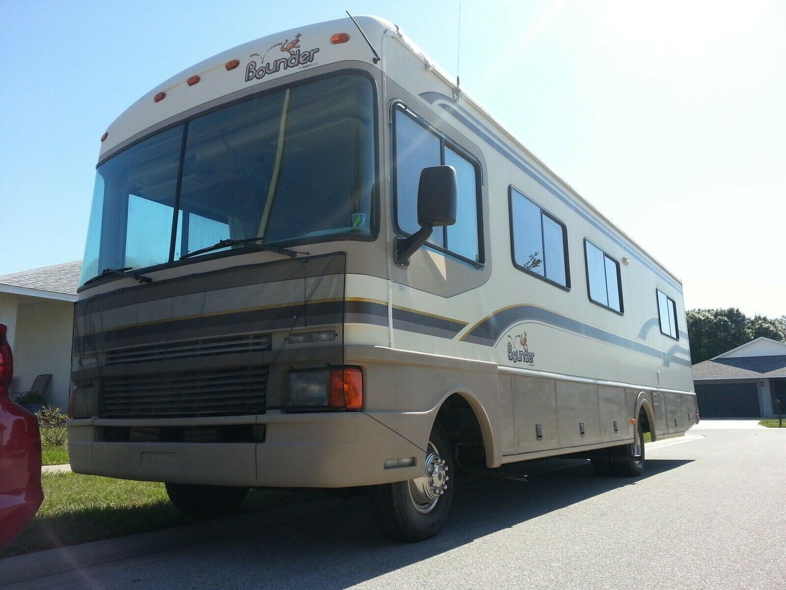 Class A Fleetwood Bounder RV 32 ft. 1997 low miles