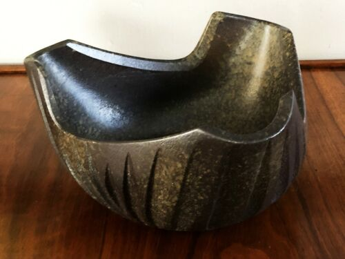 JAPANESE MODERNIST SCULPTURAL TRIANGULAR BLACK CERAMIC IKEBANA VASE BOWL SUIBAN