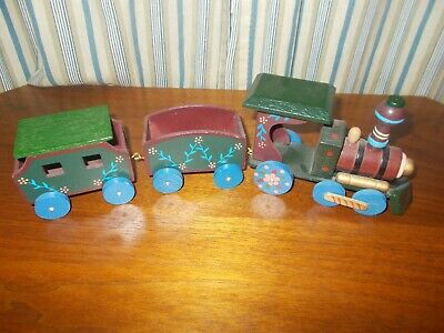 Small Wooden Train, Set of 3:  Engine, Middle Car, Caboose. Christmas Decor