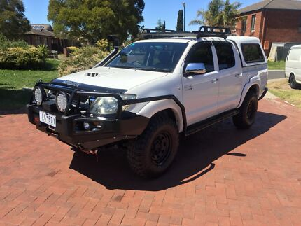 2009 Toyota hilux lots of extra