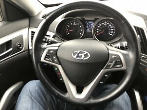 Hyundai Veloster 13600km.