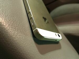 Apple iPhone 5S Rogers / Chatr 16GB Gold Pristine Condition