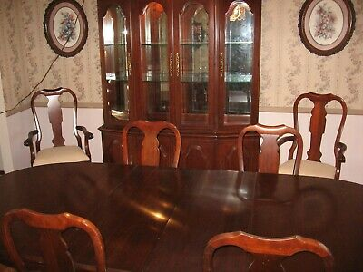 PENNSYLVANIA HOUSE SOLID CHERRY WOOD DINING ROOM SET W/CHINA CABINET & 6 CHAIRS Dining Room Square Cabinet