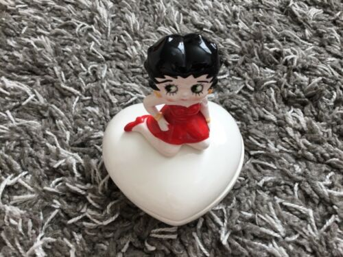 VINTAGE 1983 Betty Boop ceramic trinket box heart shaped Japan Vandor