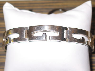 VINTAGE GUCCI STERLING SILVER Gs BRACELET LOOKS GREAT ON