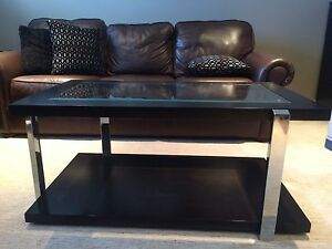 Modern Style Coffee and End Table