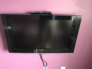 Samsung LCD TV model LNT3242HX