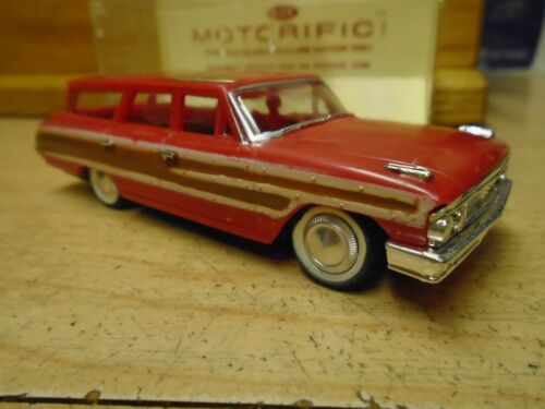 VINTAGE 60s Ideal MOTORIFIC RED FORD WAGON Chassis+Motor+Display Case