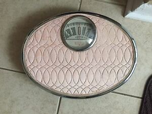 Vintage Pink Borg Bathroom Scale