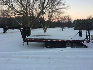 New price! 2012 Goose neck trailer