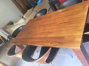 Solid Timber Dining Table(urgent sale) Blacktown Blacktown Area Preview