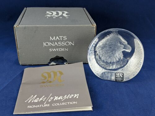 Mats Jonasson EAGLE Portrait Head Lead Crystal Paperweight Signed Sweden BOXED