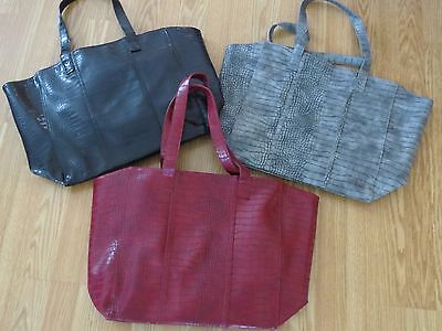 NEW NEIMAN MARCUS FAUX LEATHER BURGUNDY Large TOTE BAG BLACK/RED/GRAY](Burgundy Tote Bag)