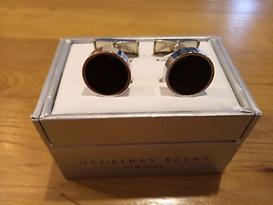Geoffrey Beene cufflinks Bedford Bayswater Area Preview
