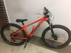 Trek Mountain Bike - Roscoe 8