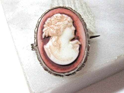 CARVED GLASS ANTIQUE CAMEO PIN C-CLASP