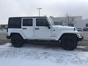 2014 Jeep Wrangler Unlimited Sahara - Nav! Dual Top! Trailer Tow