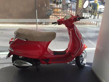 Vespa 125cc Red Scooter like brand new Sandy Bay Hobart City Preview