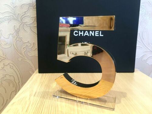 NEW BEAUTIFUL RARE STORE CHANEL GOLDEN DISPLAY FACTICE № 5 (ACRYLIC)