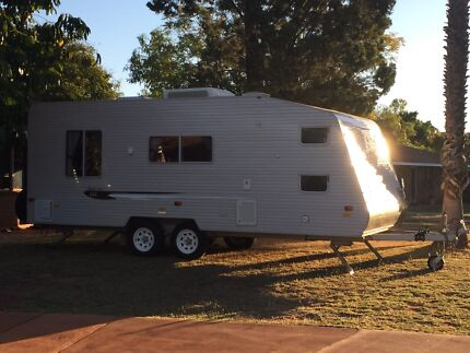 Coromal Family Series 616 Caravan Bunks