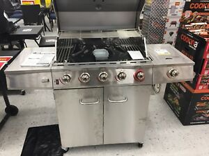 Brand new in box 6 burner + side burner bbq