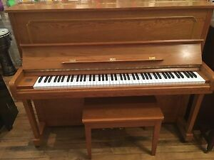 Beautiful Full Samick upright piano! Back to Lessons Sale!