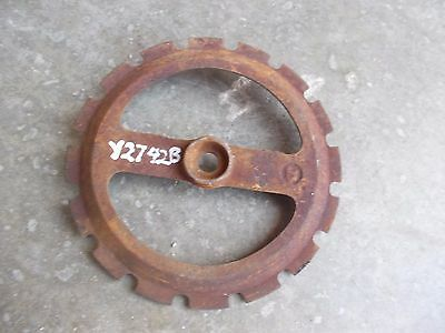 1 Used Y2742b Steel Cast Iron John Deere Planter Jd Seed Plate Y 2742 B