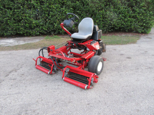 Toro 3100 Greensmaster Greens & Tee Reel Mower w/ Baskets  Gas Model 04354