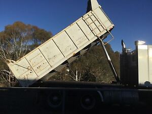 Tipper with Bartlett ball hitch Kenworth Capital Hill South Canberra Preview