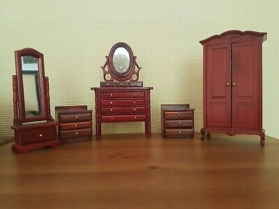Vintage dolls house bedroom furniture job lot