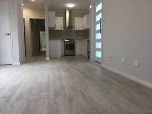 NEAR NEW: 4x2x2 Close to City: 1 x ensuites, 1 x walk-in robes