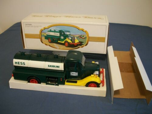1982/83 Hess Truck, With top and bottom inserts. Nice box