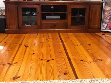 TV Unit timber