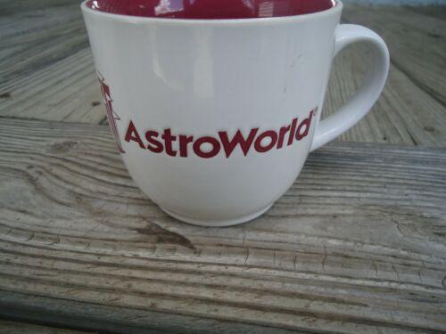 VINTAGE HOUSTON TEXAS ASTROWORLD COFFEE CUP