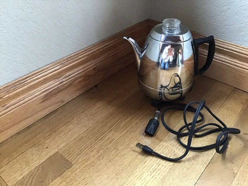 Vintage General Electric Pot Belly Coffee Pot 9 Cup Electric Percolator 18P40