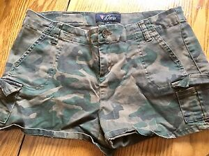 Guess Shorts Size 9