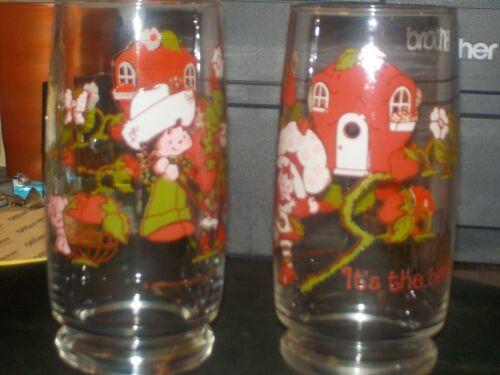 2 VTG STRAWBERRY SHORTCAKE ITS THE BERRIES! GLASSES 1980