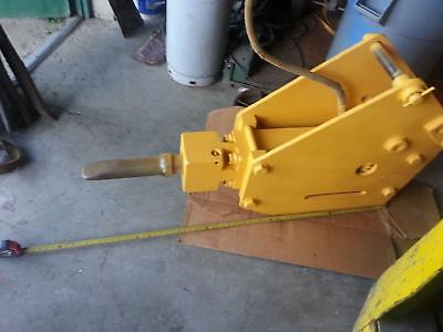 Stanley Hydraulic Impact Hammer Attachment For Excavatorbackhoe Model Mb-695