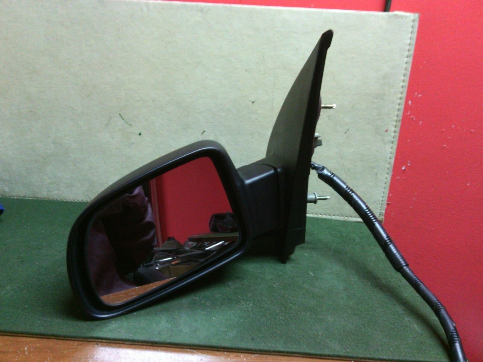 2004 2007 Ford Freestar LH DRIVER Side Power Door Mirror 3 Wire Used OEM