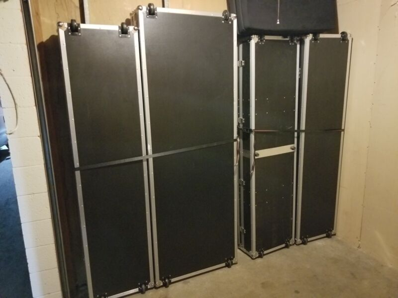 Road Cases 4 total 3 sizes Black Road/Travel/Shipping/Storage Road Case