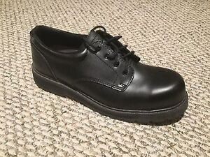 Like New. Safety Steel Toe shoes. Size 11.