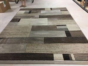 Rug 8x11 feet wool blend