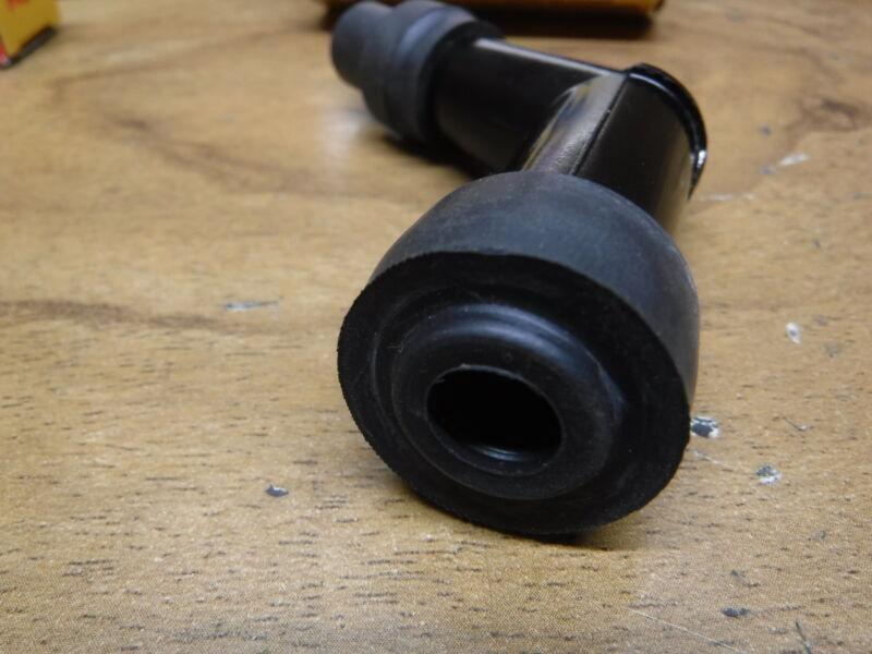 85-86 HONDA FOURTRAX 125 IGNITION COIL SPARK PLUG CAP /& SPARK PLUG DR8ES-L NGK