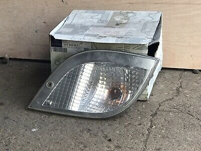 GENUINE MERCEDES - ATEGO FRONT INDICATOR LIGHT LAMP RH - 9738200621 - USED