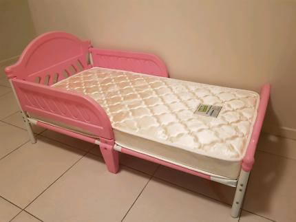 Girls toddler single bed NEW MATTRESS