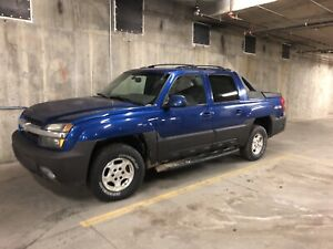 Chevy Avalanche 2003 Low KM's