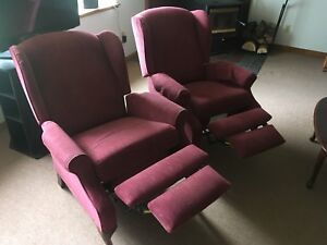 2 marching reclining chairs.