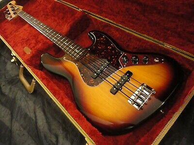 Fender Classic Series 60's Made in Mexico 4 strings Jazz Bass guitar w/case