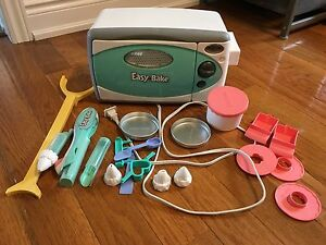 Easy Bake Oven with Acessories
