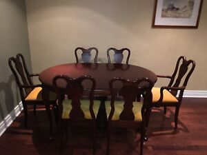 Gibbard Legacy Dining Table & Chairs